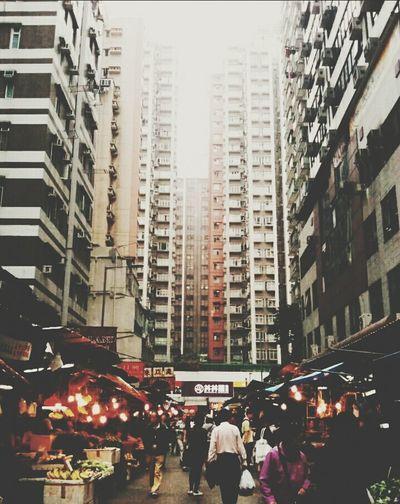 Morning market @ Mongkok, Hong Kong The Street Photographer - 2015 EyeEm Awards The Photojournalist - 2015 EyeEm AwardsStreet Photography Hong Kong I Love Hong Kong Mongkok Hong Kong The Places I've Been Today