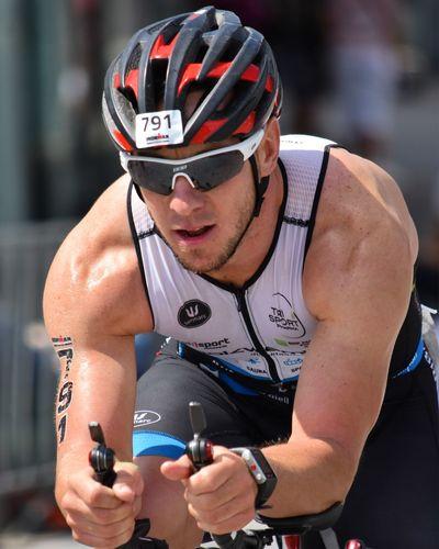TRIATHLON Triathlon Athlete Athlete Bike Close Up Headshot Making Miles Sports Photography Sportsman
