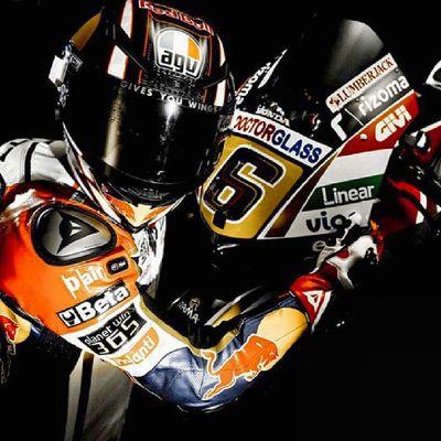 Talento infinito el de @stefanbradl @oscarharotasende Motogp Honda LCR