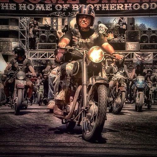 Wellcome home Bikers Brotherhood Mc 1% Motorcycle Club INDONESIA Hello World Eye4photography  Great Atmosphere Creative Photography Enjoying Life EyeEm Indonesia