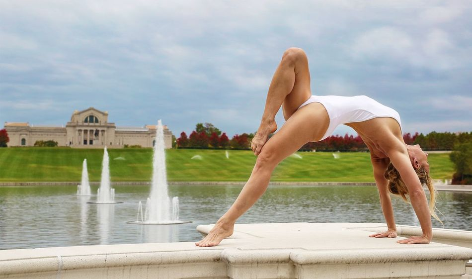 Yoga Lake Museum Yogogirls Backbend Yoga Pose Beautiful Fountains