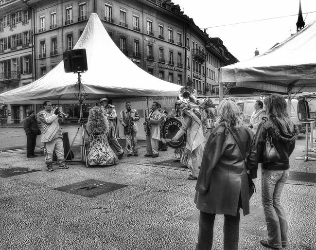 Jazz at Bärenplatz Switzerland Bern Berne Jazz Bärenplatz Suisse  Schweiz Blackandwhite Street Musicians Band Concert November November2010