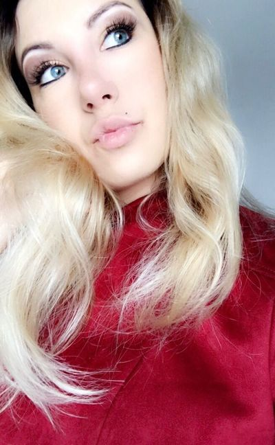 Blond Hair Portrait Beauty Beautiful Woman One Person Young Women One Woman Only Young Adult Close-up People Face Blue Eyes Face Model  Rainly Model Fitness Human Eye Looking At Camera Real People Healthy Lifestyle Body & Fitness Perfect Body ! Selfie Lips Beautiful People