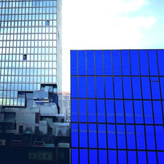 Architecture Built Structure Building Exterior Blue City Reflection Sky Skyscraper No People Day Outdoors Backgrounds Cityscape Geometric Shape Bkk Thailand BKK, HuaweiP9Photography Minimal Minimalist Photography  Minimalist Photography  Bangkok, Thailand Thailand Architecture Photography Architecture Pattern