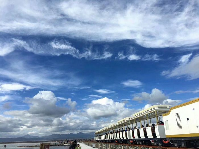 茶卡盐湖 茶卡盐湖 Cloud - Sky Sky Beach Outdoors Architecture Built Structure Travel Destinations