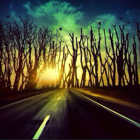 Encontrarte en mi camino me hizo rozar el cielo. Sueño haciendo nuestros los instantes fugaces de fuego.... y cual torbellinos volando Pintamos las nubes y Nos dejémonos sentir. Shootermag EyeEm Best Shots EyeEm Nature Lover Sunset