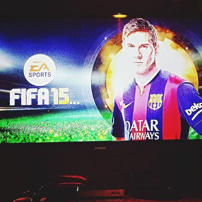 Jetzt eine runde FIFA 15 <3