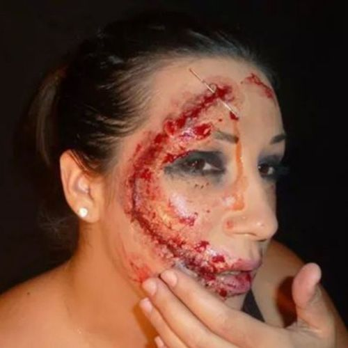 Halloweem Defiguree Scarface Horreur horror sang blood recousue makeupartist makeup maquillage cpl coupdepinceaudelilly