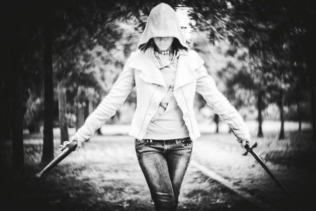 Are you here to take me out? Cosplay Model Assassincreed Sword Gun Forfun Balck And White Vintage