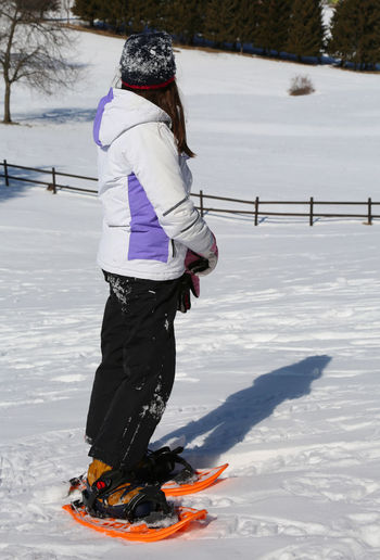 little girl on mountains with sportwear and snowshoes Baby Children Snowshoe Winter Winter Sport Child Childhood Children Only Girl Little Girl Outdoor Photography Snow Snow Shoe Snow Shoeing Snow Shoes Snowing Snowshoeing Snowshoes Sport Sportwear Sportwears Tonezza Tonezza Del Cimone Winter Wear