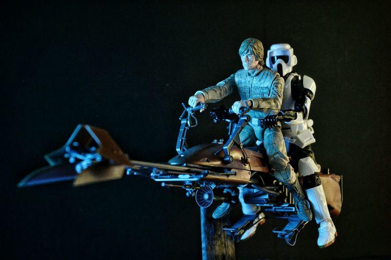 Luke saving a scout trooper from the empire Starwarstoys BANDAI TheEmpire Starwarsblackseries Returnofthejedi Scouttrooper Lukeskywalker Starwars StarWarsCollection Jedi