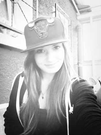 """""""Keep Smiling, Because Life Is A Beautiful Thing And There's So Much To Smile About."""" ― Marilyn Monroe <3 oli's cap :)"""