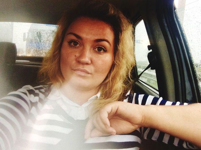 Driver вмашине девушка зарулем