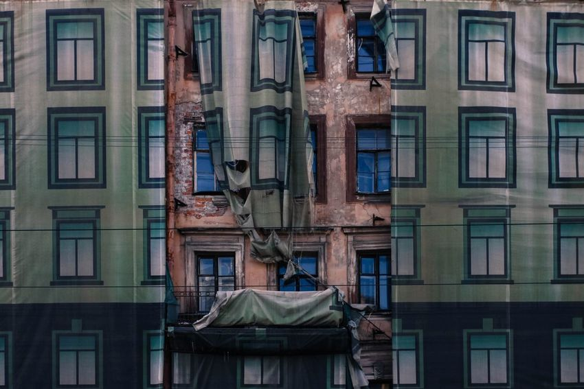 Architecture Building Exterior Built Structure No People Day Windows Decorations Low Angle View Deconstruction EyeEm Diversity Art Is Everywhere