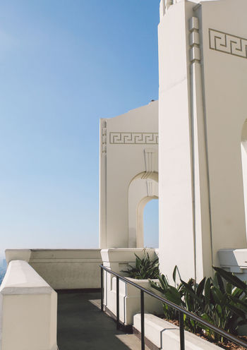 California Griffith Observatory Los Angeles, California Tourist Attraction  Architecture Building Exterior Built Structure Clear Sky Day La No People Outdoors Sky Sunlight Tourist Destination Whitewashed