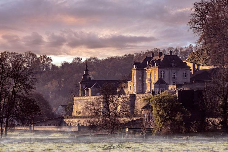 """Château"