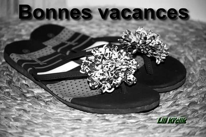Tongs Blackandwhite Blois Holidays Noir Et Blanc Black & White Black And White Pieds Kisses❌⭕❌⭕ Taking Photos