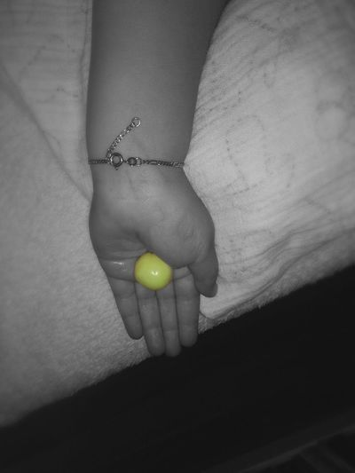 Hello World Kids Candy Süßes Childhands Sun Handyphoto Colour And Black And White Yellow Gelb