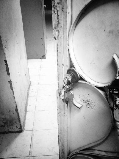 Opened door. Black And White دق الباب Doors Saudiarabia