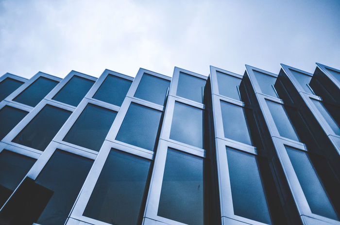 Window front Architecture Building Exterior Built Structure Day Glass Glass - Material Low Angle View Minimal Minimal Architecture Minimalist Architecture Minimalobsession No People Outdoors Sky Window Window Front Window View Windows