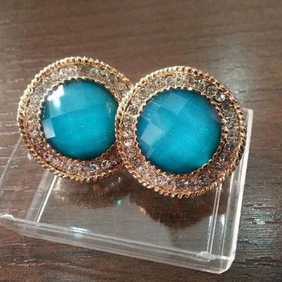 Earrings. Voi Donna