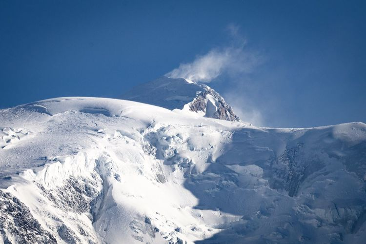 Montagne Alpes AlpesFrancaises Mont Blanc Winter Cold Temperature Snow Beauty In Nature Mountain Sky Blue