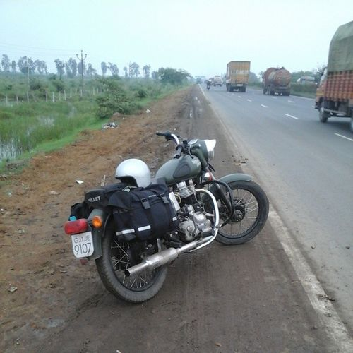 On the Road again! Royalenfield Bullet Rideon RideOrDie Riders Instapic Instaride Instamoto Instabike