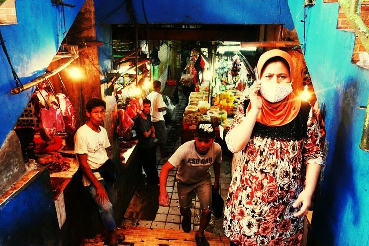 Streetphotography - EyeEM Award 2015 Enjoying Life Taking Photos Streetphotography Streetlife Indonesia Traditional People Street Market Market Phone #color #everydayasia