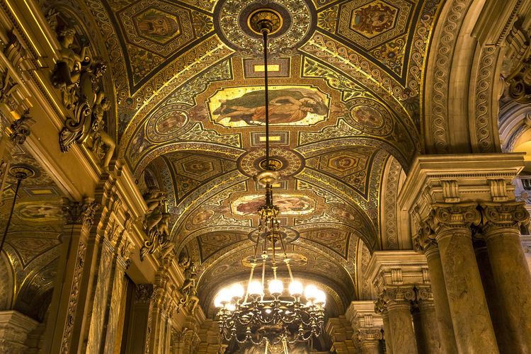 PARIS, FRANCE, MARCH 14, 2017 : interiors, frescoes and architectural details of the palais Garnier, Opera of Paris, march 14, 2017 in Paris, France.f Baroque Style Decor Garnier Opera Luxury Music Operahouse Opéra Palais Garnier Palais Garnier Opera House Paris, France