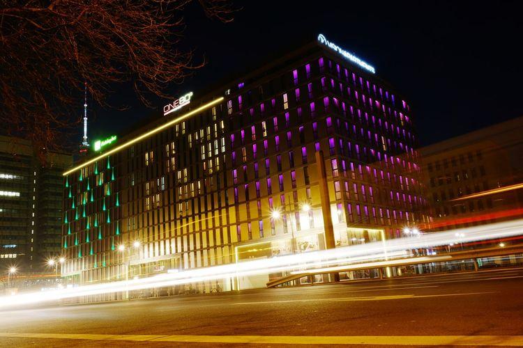 Holiday Inn Berlin Alexanderplatz Night Nightphotography Night Lights Berlin Berliner Ansichten Berlin Photography Hotel Holiday Holiday Inn Holiday Inn, Architecture Langzeitbelichtung