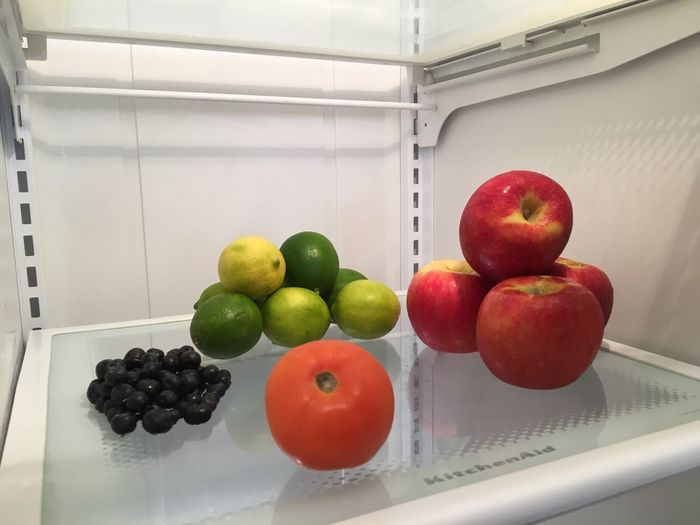 Healthy Eating Apple - Fruit Apple Freshness Close-up Fresh On Eyeem  Clean Nature Blueberries Floa Fruit Textures And Surfaces Structures & Lines Refrigerator Tomato Vegetable Limes