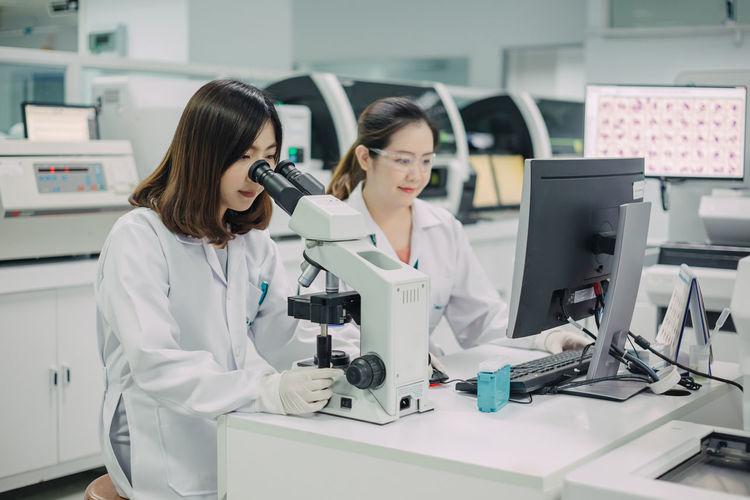 Women working in laboratory