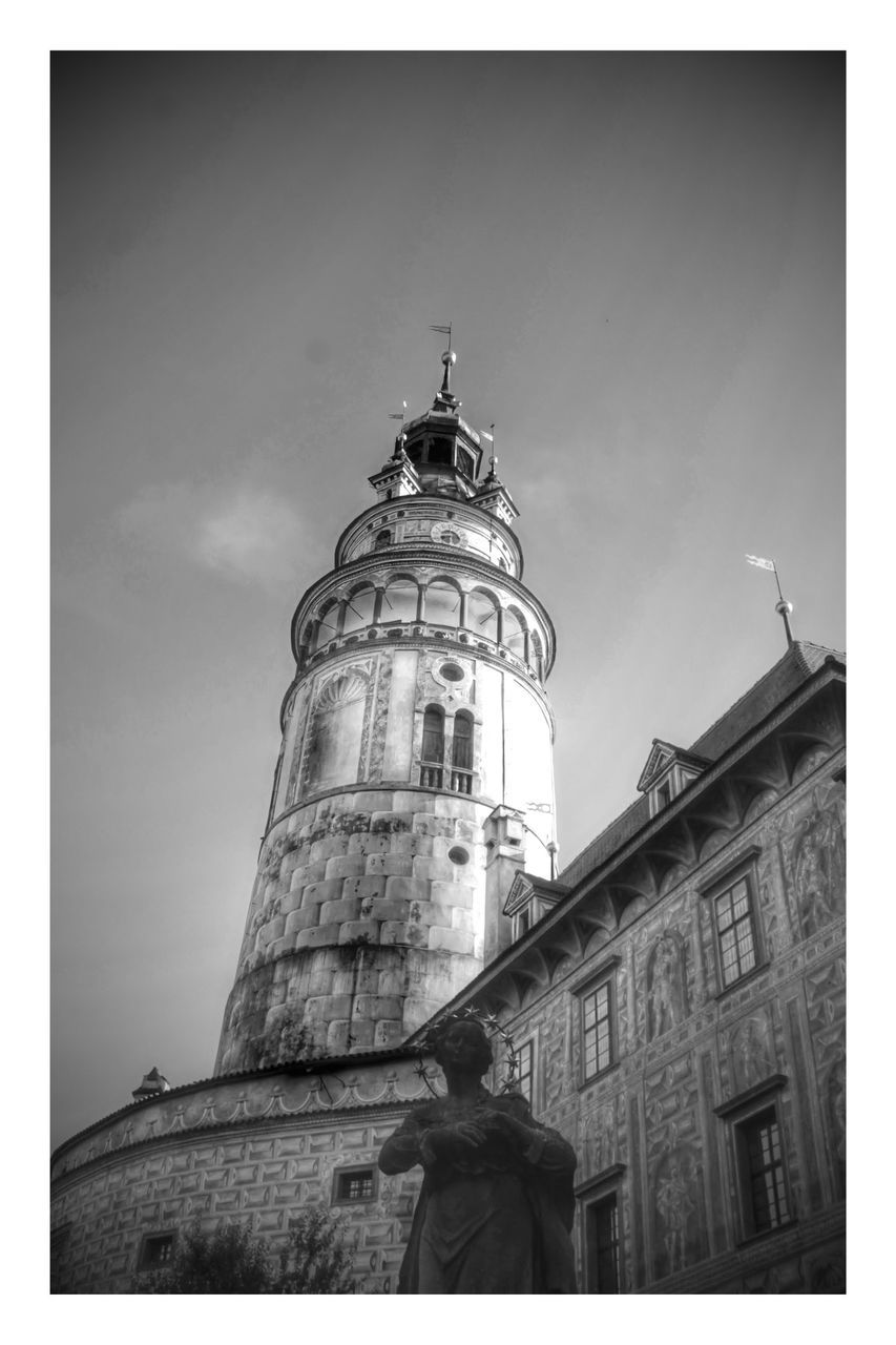 architecture, building exterior, built structure, low angle view, lighthouse, history, sky, outdoors, day, no people