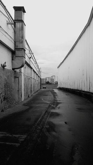 Контраст No People Sky Outdoors Built Structure Day Architecture Blackandwhite Black And White чернобелое черно-белое москва russia задворки