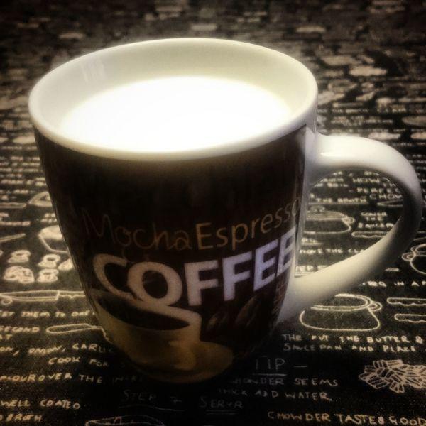 A mug of milk. Barcelona Catalonia Close-up Coffee Drink EyeEm Best Edits EyeEm Best Shots Eyeem Coffee Eyeem Drink Eyeem Drinks EyeEm Gallery Hot Hot Drink Hot Drinks Milk Mug Mugs Table