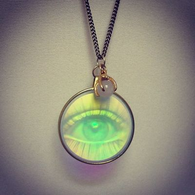 New in store ThirdEye Holographic Necklace at FKIDS hamburg holo hologram