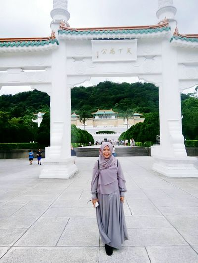 Happy Me National Palace Museum Taipei,Taiwan Architecture Travel Destinations Built_Structure Building Exterior Gate Enjoying Life Palace Palacemuseum Museum Outdoors Holiday Taipei Happymoments Full Length Architecture Let's Go. Together.