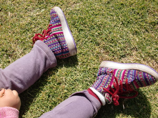 #anden #cusco #inca #kids Shoes #Perú #peruvian #shoes #fashion #design #sneakers Childhood Footwear Happiness Human Foot Human Leg Personal Perspective Real People Shoe