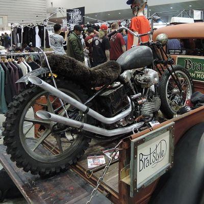 Yokohama hotrod custom show 2013 Hcs2013 Harley Davidson Knucklehead Bratstyle