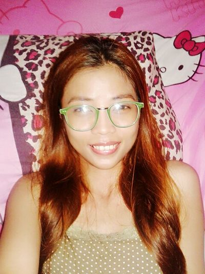 Hi! That's Me Overnight Relaxing At MY BED KAWAII Wearing Glasses Smile Hellokitty Cute