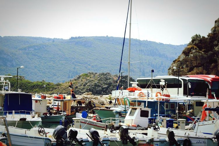 Greece Crowed Boats⛵️ Mountains Blue Sky Water Feel The Journey Original Experiences