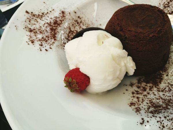 Chocolatesufle Chocolate Icecream Strawberry Delicious Yummy Followme Food And Drink Sweet Food Dessert Ifollowback