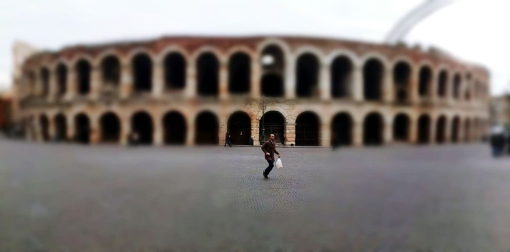 Everyday Joy Verona Italy Arena Everyday Life Hurryup