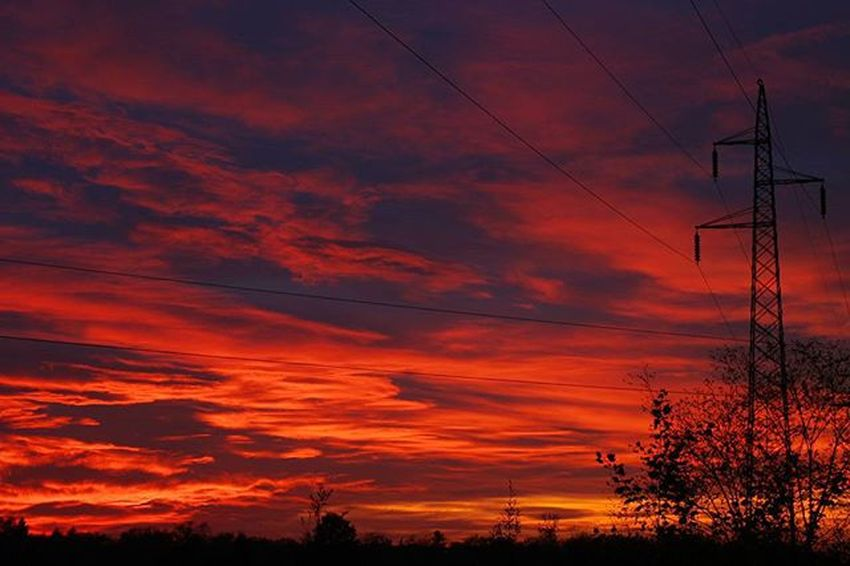 Bloody hell, it's amazing. Autumn Canon Clouds Sky Photographyislifee