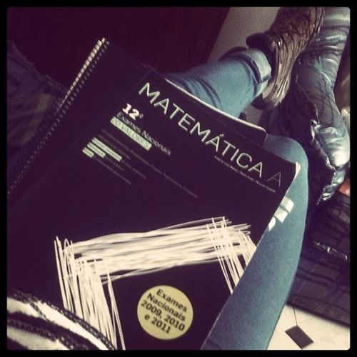 Lets study Study Book Math Matem ática saturday afternoon boring sad bad life hate snickers merrell girl save me