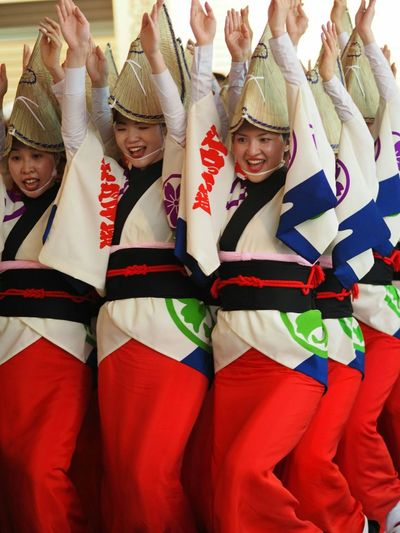 足元が隠れているのに艶っぽい不思議Relaxing Japan Photography Awaodori Walking Around Taking Pictures Japan Taking Photos Japanese Festival Wemen Dancing Relaxing Capture The Moment Japanese Culture Streetphotography Ultimate Japan Street Snapshots Of Life Snap Groove