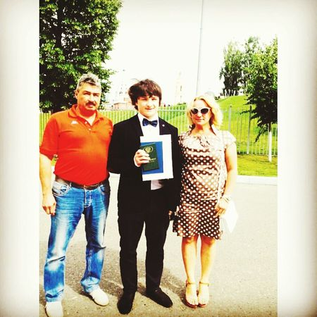 Father , i , and Mom)