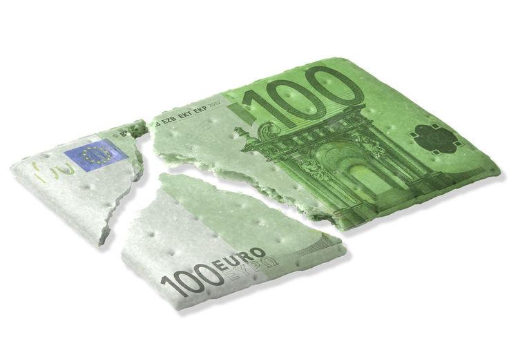 € Euro Finance