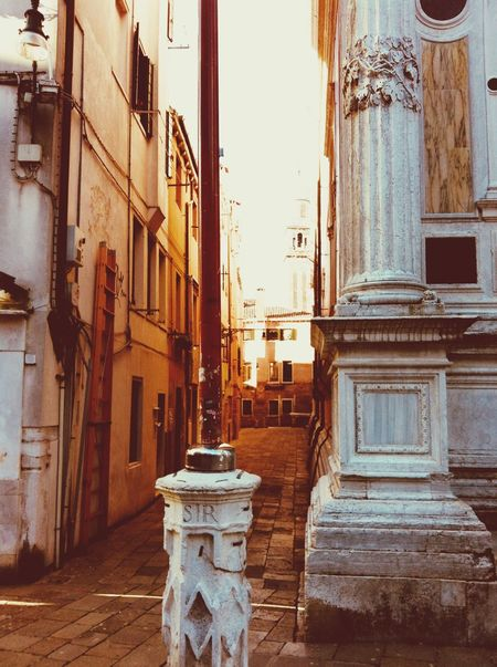 Venice love White Stone Orange Color Sunshine Historic Old Buildings Streetphotography Architecture Built Structure Building Exterior No People Day Outdoors City