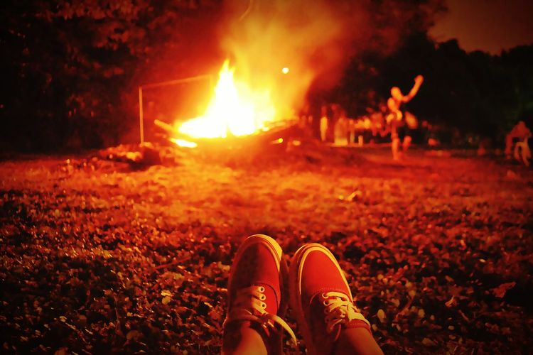 F O G Ó N Campamento Fire Fogon Campfire People Nature Night